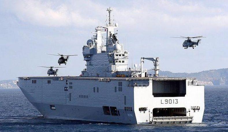 Франция: вертолёт ташувчи кемалар Россияга сотилишидан воз кечиб бўлмайди