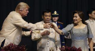 Дунё оавларидан: трамп учун қўшиқлар, арабистоннинг путини ва ҳижобдаги барби (аудио)