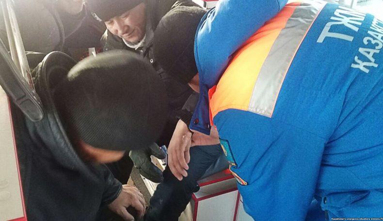 Автобус билан юз берган ҳодисада тирик қолган уч нафар қозоғистонлик шифохонадан чиқарилди