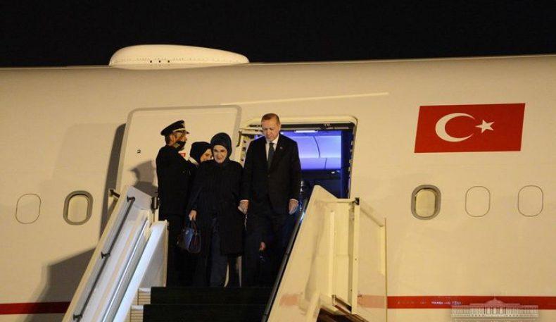 Турк президенти Эрдўғон Тошкентга келди