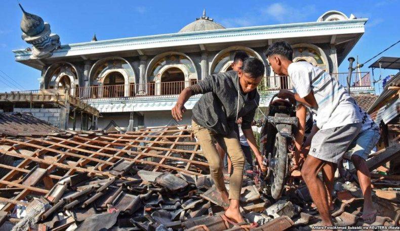 Индонезияда зилзиладан ҳалок бўлганлар 140 кишидан ошди