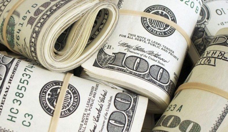 Россиялик бизнесменлар Путин ёрдамчисининг хати туфайли бир кунда 3 млрд доллар йўқотди