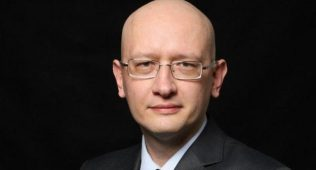 Ўзбекистон: эксперт бош вазир ўринбосарлари лавозимини тугатишни таклиф қилди