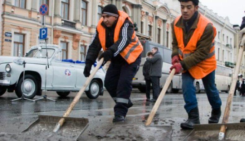 Россия ҳукумати хорижий ишчилар учун квотани 20 фоиз қисқартирди
