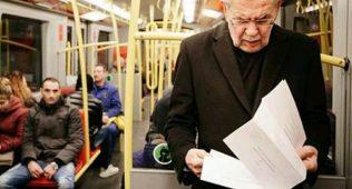 Австрия президенти ишга метрода қатнамоқда