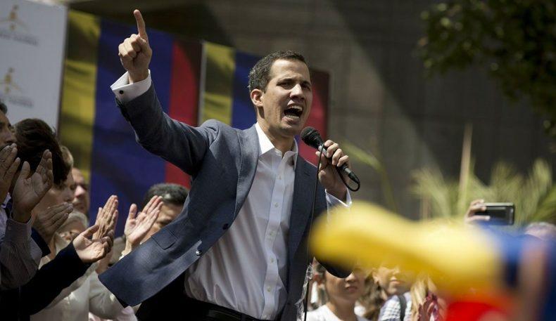 Венесуэлада мухолифат раҳбари ўзини президент деб эълон қилди. Трамп уни тан олди