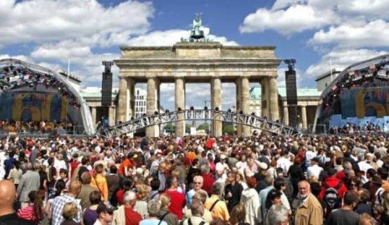 Германиянинг аҳолиси 83 миллион киши бўлди