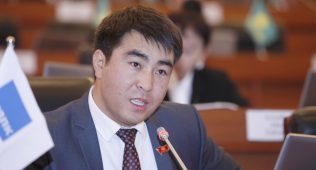 Депутат:қирғизистонда ишлаган чет элликлар патент олсин