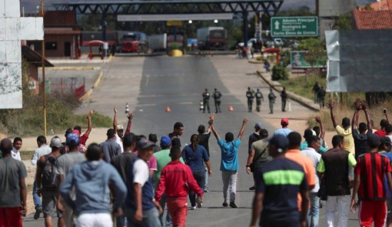 Мадуро АҚШдан инсонпарварлик ёрдамини киритмаслик учун чегараларни ёпиб қўйди